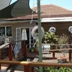 australian-courtyard-2-designer-christmas-reduced